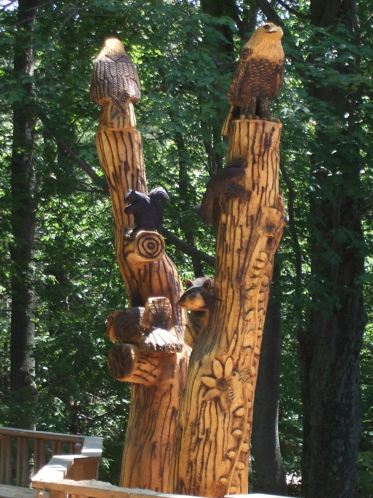 Pentwater michigan tree sculpture from chainsaw