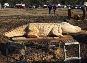 Gator chainsaw carving